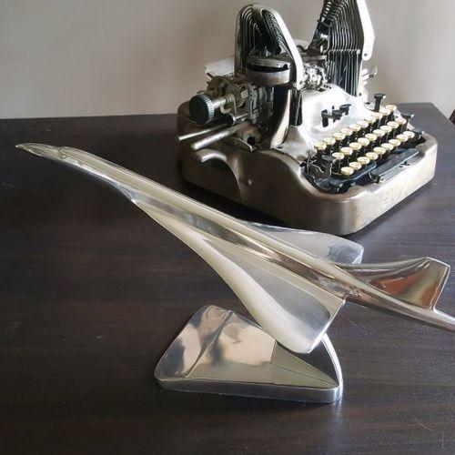Concorde Desktop Model Plane